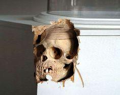 Magnificent skull corner carving. source: https://www.facebook.com/photo.php?fbid=10203737708386302