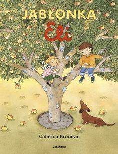 Jabłonka jest najlepszą kryjówką Eli i Olka. Bawią się na niej przez cały rok.