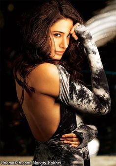 Nargis fakhri hot in dating naach pics of flowers