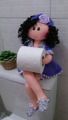 Discover recipes, home ideas, style inspiration and other ideas to try. Diy Toilet Paper Holder, Toilet Roll Holder, Paper Holders, Hobbies And Crafts, Diy And Crafts, Arts And Crafts, Sewing Crafts, Sewing Projects, Bathroom Crafts