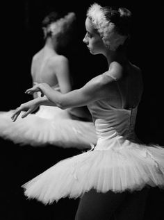 Swan lake - Black and white ballerinas #ballet