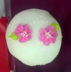Textured cupcake