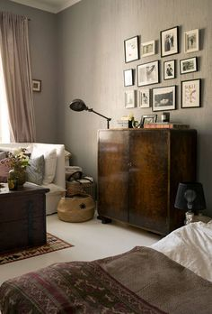 Building A House, School Building, Dresser As Nightstand, Scandinavian Style, Interior Inspiration, Living Room Decor, Interior Decorating, Sweet Home, Art Deco