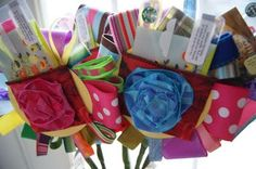 fabric flower gift card holders.  fabulous!!