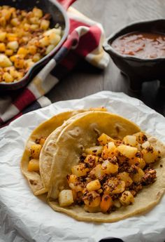 Potato and vegan chorizo tacos. Serve the crispy bits of spicy chorizo mixed with the slightly golden potatoes on a warm tortilla and top with salsa. Chorizo Tacos, Vegan Chorizo, Chorizo Recipes, Vegan Mexican Recipes, Vegan Recipes Videos, Whole Food Recipes, Vegetarian Recipes, Cooking Recipes, Healthy Recipes