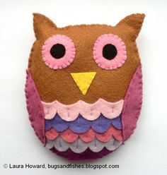 Free tutorial for sewing a plush felt owl --- Bugs and Fishes by Lupin: How To: Felt Owl