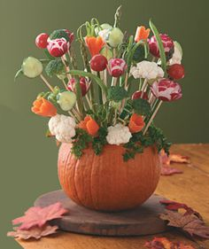 Pumpkin Centerpiece - showcase the fall harvest on your Thanksgiving table.