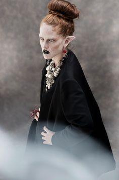 New Editorial DMAG   The Lady of Naggaroth  Photographer: Leandro Bon