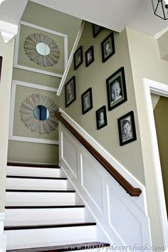 DIY sunburst mirror - make your own at a fraction of the cost.  Perfect way to update your decor!