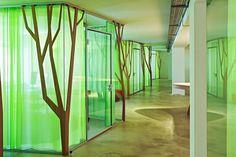 ARQUITETANDO IDEIAS: Ambiente de floresta em escritório urbano