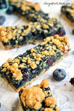 Blueberry Oatmeal Breakfast Bars- use old fashioned oats, fresh or frozen berrie. Blueberry Oatmeal Breakfast Bars- use old fashioned oats, fresh or frozen berries, eliminate sugar in berry mixture. Freeze and then nuke to go! Blueberry Oatmeal Bars, Oatmeal Breakfast Bars, Blueberry Breakfast, Breakfast On The Go, Sausage Breakfast, Perfect Breakfast, Breakfast Ideas, Oatmeal Cups, Baked Oatmeal