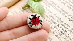Brush, butterfly martis, hand embroidered on peasant canvas code 417 Tiny Cross Stitch, Cross Stitch Animals, Cross Stitch Flowers, Cross Stitching, Cross Stitch Embroidery, Hand Embroidery, Cross Stitch Patterns, Modele Pixel Art, Palestinian Embroidery