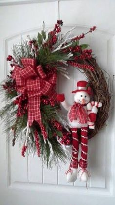 Grapevine christmas wreath by kyong Grapevine Christmas, Noel Christmas, Holiday Wreaths, Simple Christmas, Christmas Ornaments, Grapevine Wreath, Door Wreaths, Winter Wreaths, Canada Christmas