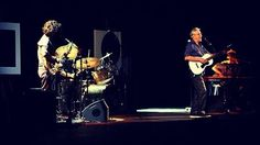 What an evening... Caetano Veloso's #abracaco at #Oakland's @OakParamount this past Friday. #sfjazz #brazil pic.twitter.com/Lg9K4xf2xJ