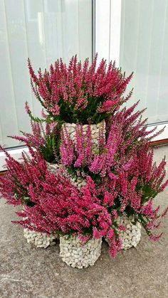 How to make a flower tower Garden Yard Ideas, Diy Garden Projects, Garden Crafts, Diy Garden Decor, Flower Planters, Garden Planters, Flower Pots, Flower Tower, Decoration Plante