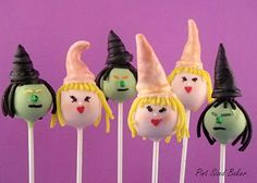 Pint Sized Baker: Elphaba and Glinda Cake Pops The Good Witch, The Worst Witch, Halloween Treats, Happy Halloween, Halloween Witches, Elphaba And Glinda, Cake Pop Favors, Witch Cake, Witch Party