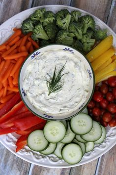 A family favorite for years, this creamy curry dill dip recipe has big flavor and is the perfect appetizer dip to serve with fresh vegetables. Appetizer Dips, Best Appetizers, Appetizer Recipes, Dill Dip Recipes, Ww Recipes, Recipe Girl, Recipe Recipe, Weight Watchers Diet, Healthy Low Carb Recipes