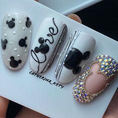 Disney Gel Nails, Mickey Nails, Disney Nail Designs, Creative Nail Designs, Bling Nails, Swag Nails, Judy Nails, Pink Ombre Nails, Valentine Nail Art