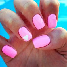 Pink nails with white heart! Cute summer nails for surrrre!!!!