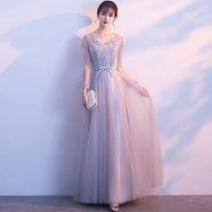 Chic / Beautiful Grey Prom Dresses 2018 A-Line / Princess Appliques Sequins Bow V-Neck Long Sleeve Floor-Length / Long Formal Dresses Grad Dresses Short, Grey Prom Dress, Prom Dresses 2018, Trendy Dresses, Tight Dresses, Elegant Dresses, Nice Dresses, Fashion Dresses, Formal Dresses
