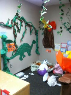 1000 images about education dino on pinterest dinosaurs dinosaur activities and dramatic play - Home daycare ideas for decorating ideas ...