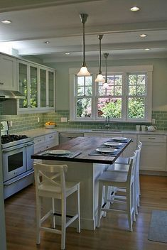 60 Beautiful Farmhouse Kitchen Backsplash Design Ideas - Insidexterior Country kitchen style is a somewhat broad category that can include everything from the truly rustic think unfinished, knotty pine cabinets and other styles with Country Kitchen Backsplash, Small Farmhouse Kitchen, Kitchen Island Decor, Kitchen Island Lighting, Modern Farmhouse Kitchens, Kitchen Layout, Farmhouse Ideas, Farmhouse Design, Shaker Kitchen