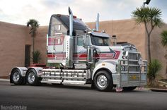 Ratcliffes Transport - Kenworth T908