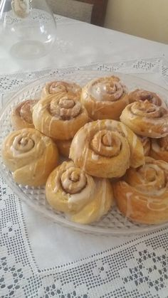 Ελληνικές συνταγές για νόστιμο, υγιεινό και οικονομικό φαγητό. Δοκιμάστε τες όλες Snack Recipes, Dessert Recipes, Cooking Recipes, Snacks, Healthy Recipes, Sweet Buns, Sweet Pie, Greek Recipes, Soul Food