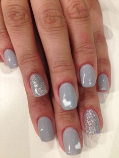 Make your short nails even more beautiful & colorful with Short Gel Nail Art designs. Here are the best Gel Nail Art designs for short nails. Cute Nails, Pretty Nails, Gray Nails, Black Nail, Grey Nail Art, Grey Nail Polish, Zebra Nails, Shellac Nails, Bio Gel Nails