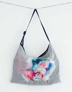 Sina embroidered bag