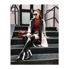 Emma Miller está deslumbrante vestindo o óculos de sol da Linda Farrow, coleção Primavera Verão 2016 - LFL463. #innovaoptical #lindafarrow #lfl463 #eyewear #sunglasses #oculosdesol #design #weselldesignforliving