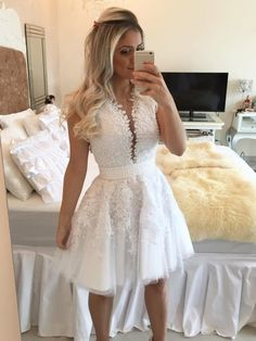 A-line Scoop Neck Tulle Short/Mini Appliques Lace White Classy Prom Dresses