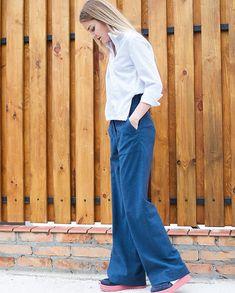 e51f3d18e42429 Пам'ятаете, як модно було заправляти перед сорочки у джинси або спіднички?  Так