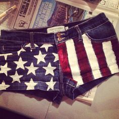 DIY American Flag Shorts iv gotta try this with some old jeans.. Summer look out! ;)