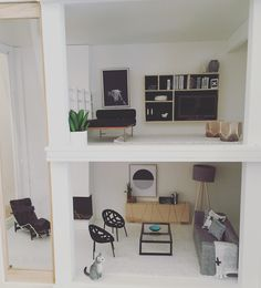 Modern dollhouse by The Dollhouse Emporium Malibu Dollhouse Kit 1:12 scale miniatures Follow @onebrownbear on Instagram