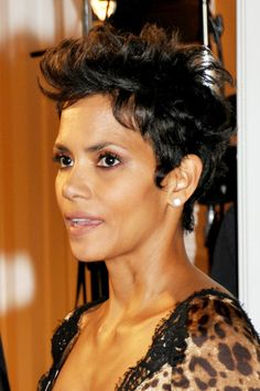 halle berry haircuts short hair | More Angles of Halle Berry Layered Razor Cut
