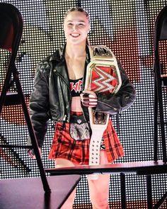 Ronda Rousey Photoshoot, Ronda Rousey Pics, Ronda Jean Rousey, Randa Rousey, Assassins Workout, Painted Leather Jacket, Rowdy Ronda, Wwe Women's Division, Raw Women's Champion