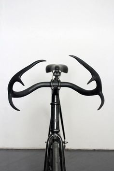 I know a few bike couriers who would love a set of these bars made from real deer antlers. http://www.taylorsimpsondesign.com/Moniker