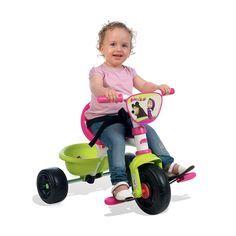 Jazda na trojkolke pre deti je veľmi pohodlná vďaka kvalitným kolieskam z mäkčeného plastu, ktoré si hravo poradia aj s menšími nerovnosťami. Konštrukcia trojkolky je pevná a kovová, čo zaručuje vysokú bezpečnosť a v neposlednom rade i dlhú trvácnosť, ktorá vám poslúži počas mnohých rokov. #Smoby Tricycle