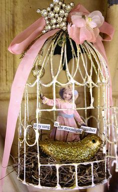 shabby bird cage (fun for party decor) altered art Shabby Chic Vintage, Shabby Chic Crafts, Shabby Chic Decor, Vintage Country, Rustic Decor, Shabby Chic Living Room, Shabby Chic Kitchen, Shabby Chic Furniture, Kitchen Country