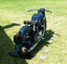 Triumph 650, Triumph Motorcycles, Antique Motorcycles, British Motorcycles, Triumph Thunderbird, Norton Motorcycle, Specialized Bikes, Classic Bikes, Classic Motorcycle