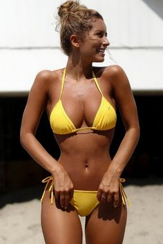 Yello small bikini Social Media Hottie Sierra Skye, Oh My Sexy Bikini, Bikini Girls, Bikini Tops, Sexy Bra, Bikini Fitness, Bikini Workout, Yoga Fitness, Swimsuits 2016, Swimwear