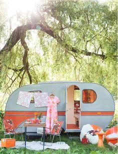 Oranje caravan 1