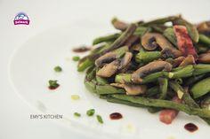 Pastai cu ciuperci. O reteta rafinata si cu un gust delicat. #Delmark #Ciuperci #Mushrooms #ReteteDelmark Asparagus, Green Beans, Stuffed Mushrooms, Drink, Vegetables, Kitchen, Food, Stuff Mushrooms, Studs