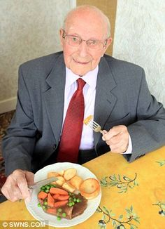 Having celebrated his 102nd birthday sprightly Darrell Love has had more hot meals than most.   But in revealing his secret to staying fit and healthy it is one in particular that he puts down to long life.   That's because for more than five decades the centenarian has tucked into five roast dinners a week.  Fit Darrell can not get enough of chicken roast dinners having eaten one every week day since 1958. Centenarian, Roast Dinner, Dinners, Meals, People Of The World, Stay Fit, Never Give Up, Food And Drink, Faces