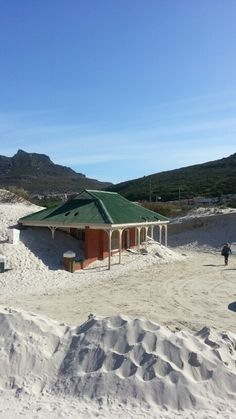 Hout Bay- haha we saw it like this too, wonder if they have dug away the sand yet? Great Places, Places To Go, South Afrika, Cape Town South Africa, Dream City, Places Of Interest, Africa Travel, Live, Beautiful Landscapes