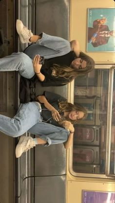 You Stay My Bff Forever Source by ideas aesthetic Fashion 90s, Look Fashion, Fashion Outfits, Best Friend Pictures, Bff Pictures, Vsco Pictures, Senior Pictures, Look Retro, Foto Casual