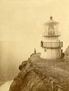 Eadweard Muybridge, Point Reyes light tower,  California, 1871