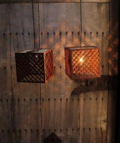 七宝繋の木製灯籠 在庫4つ A1324