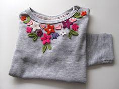 misusu: felt neckline artwork on tshirt diy tutorial and pattern Sewing Hacks, Sewing Tutorials, Sewing Projects, Sewing Tips, Sewing Ideas, Diy Projects, Diy Tee Shirt, Diy Fashion, Ideias Fashion